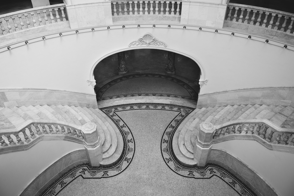 ISO 200 / 17mm / f2.8 / 1/100sec -    Grand stairwell of the Great Theater of Havana.