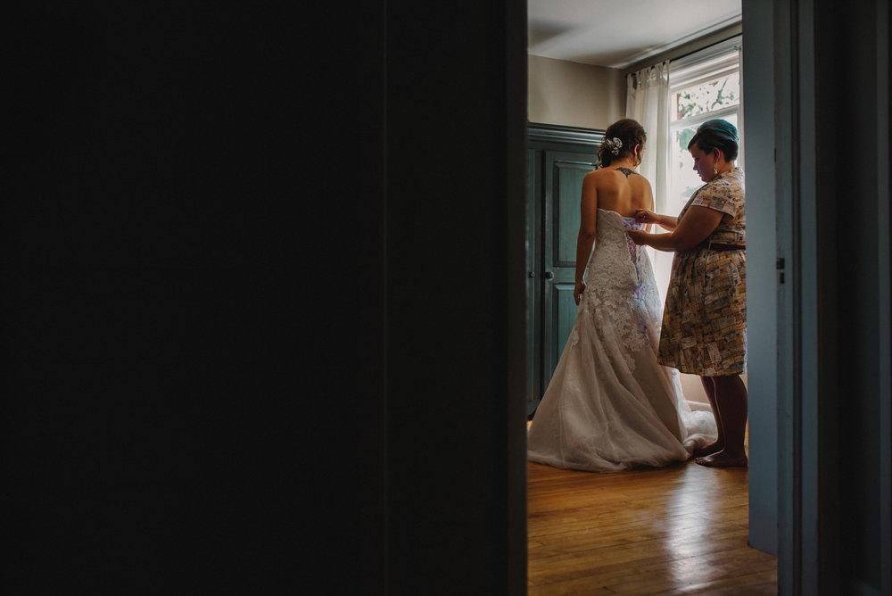 SheenPhotos Ottawa Wedding Photographer Dramatic Moody Candid Ottawa Rowing Club 15