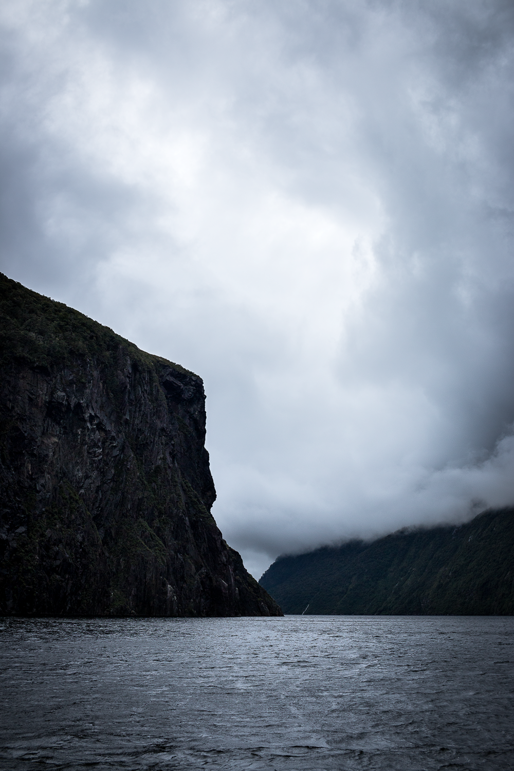 Milford_Sound_New_Zealand_3.png