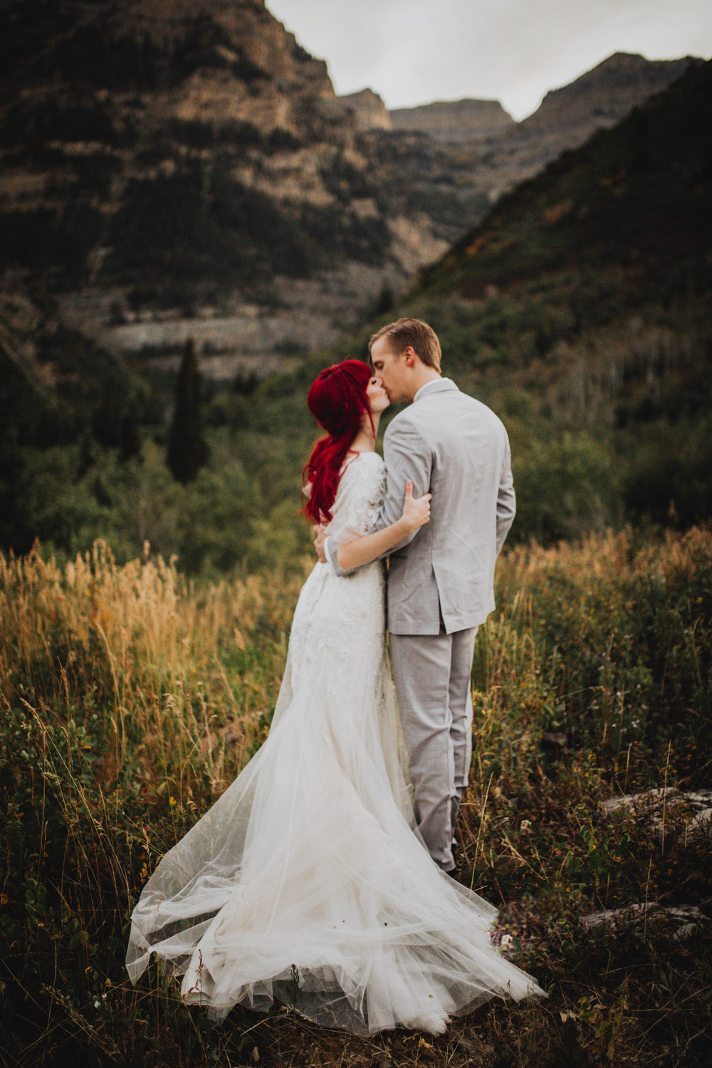 Fall Bridals, Utah Mountain Shoot, Modest Dress, Cecilia Harvard Photography-22.jpg