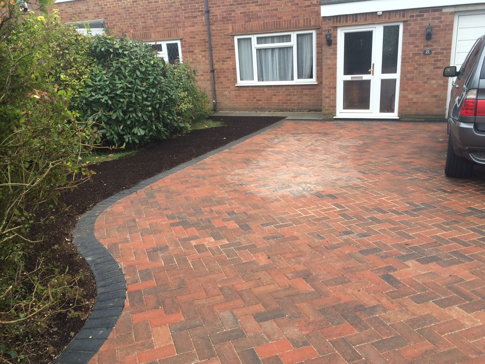Bespoke Shaped Paved Patio Driveway Image