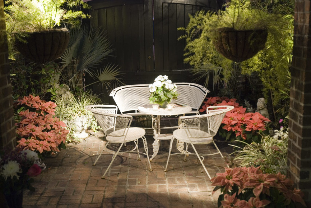 nightime-patio-1419782.jpg