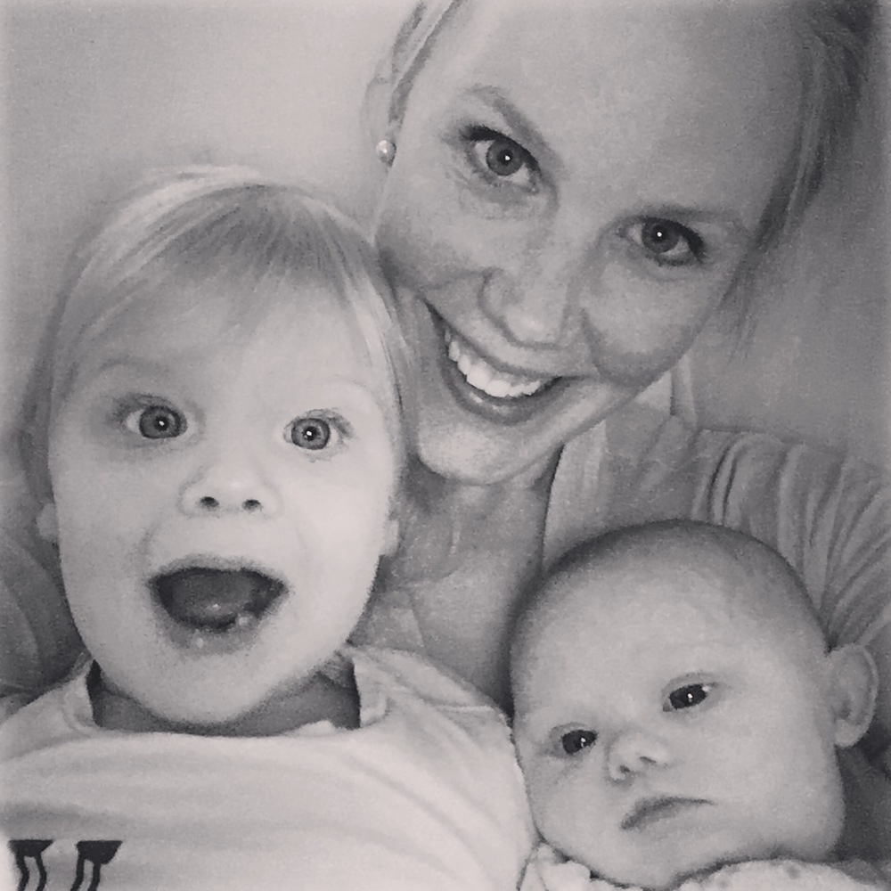 the sweetest photo of Ellie, Jenny and Lucy.