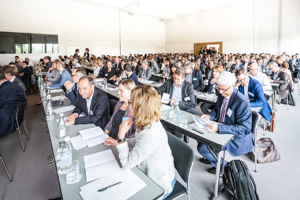 Mit über 250 Teilnehmenden hat sich das Geschäftsberichte-Symposium als führende Kompetenzplattform etabliert.   über das GBS
