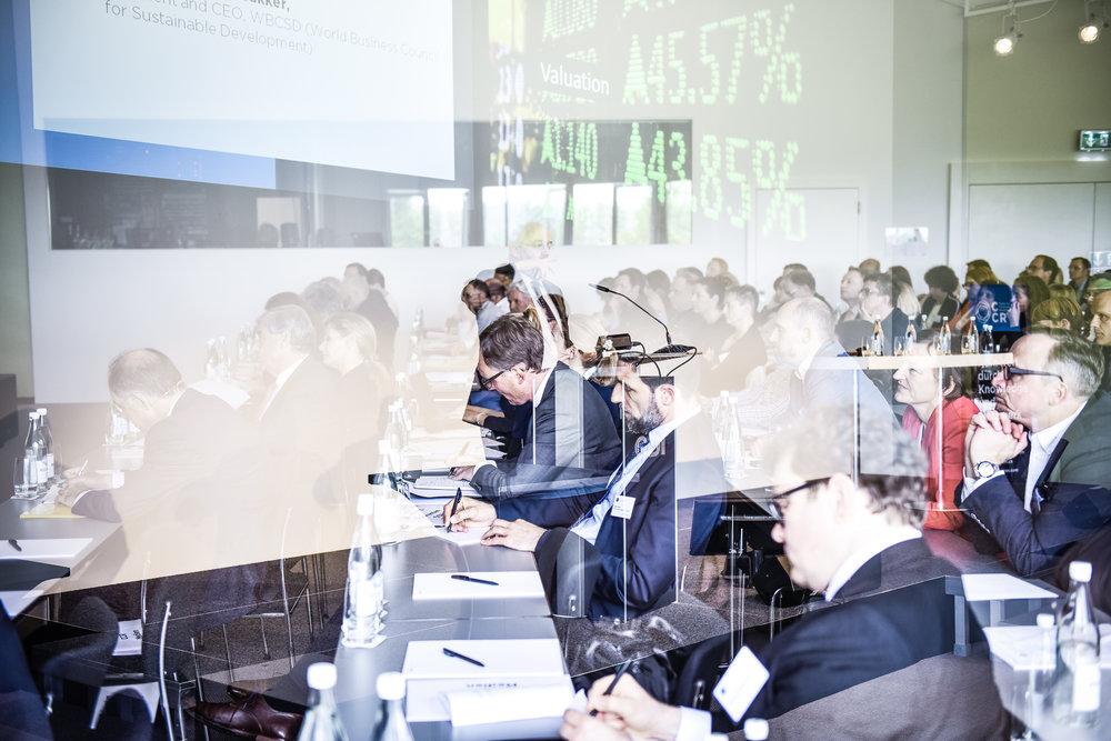 Seit 2010 findet das Geschäftsberichte-Symposium jährlich mit über 250 Teilnehmenden statt.    Archiv