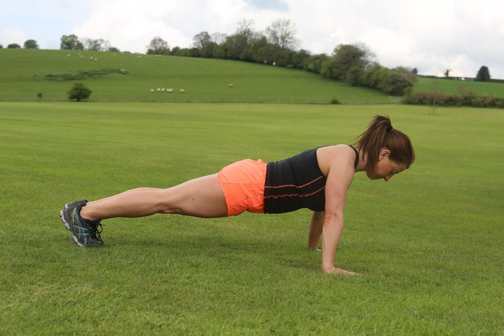 Challenge upper strength and core strength in press ups