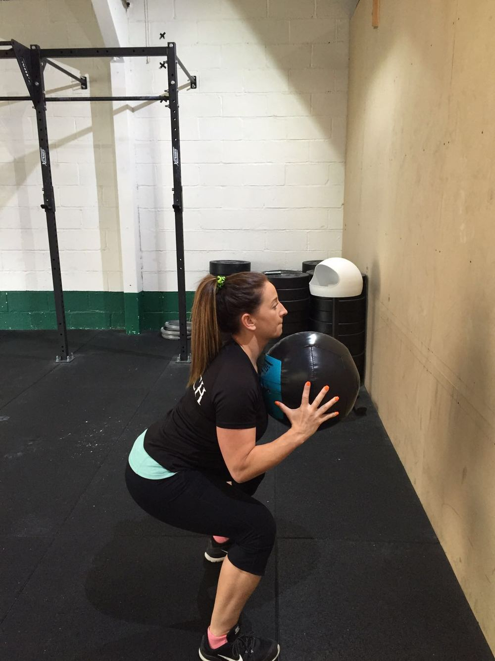 Wall ball exercises, crossfit Chiltern, berkhamsted, amersham