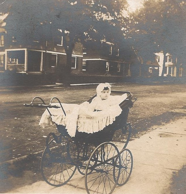 BABY BUGGY - 1903