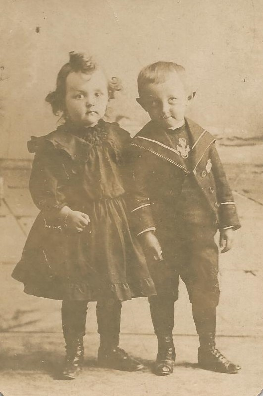 SISTER & BROTHER - 1902