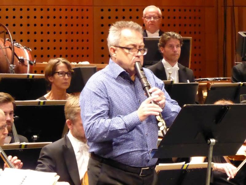 Dan Laurin in an intense moment of the Recorder Concerto. He was the King of this special evening. A hero against a full orchestra.