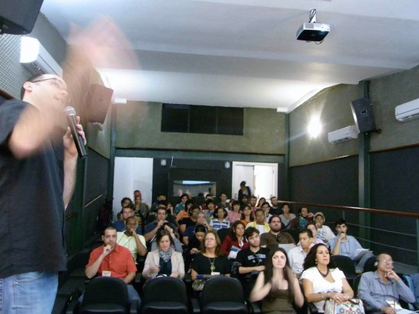 Giving a presentation on touring the USA to bands, musicians and agents in Rio de Janeiro 2009.