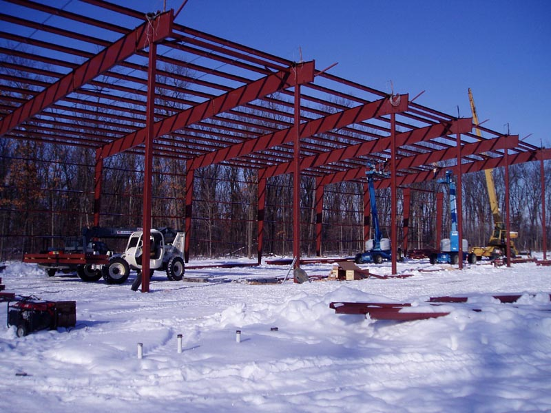beg steel erection 12-14-05.jpg