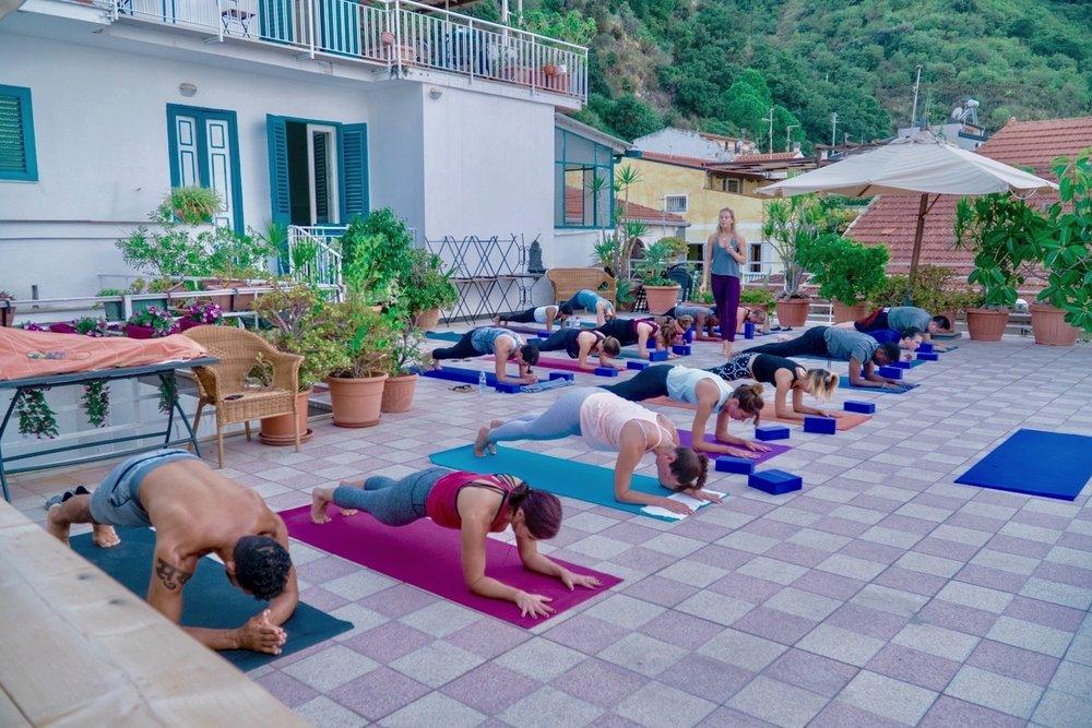 2017_Italy_YogaClass_Evening01_DSC00420_SM.jpg
