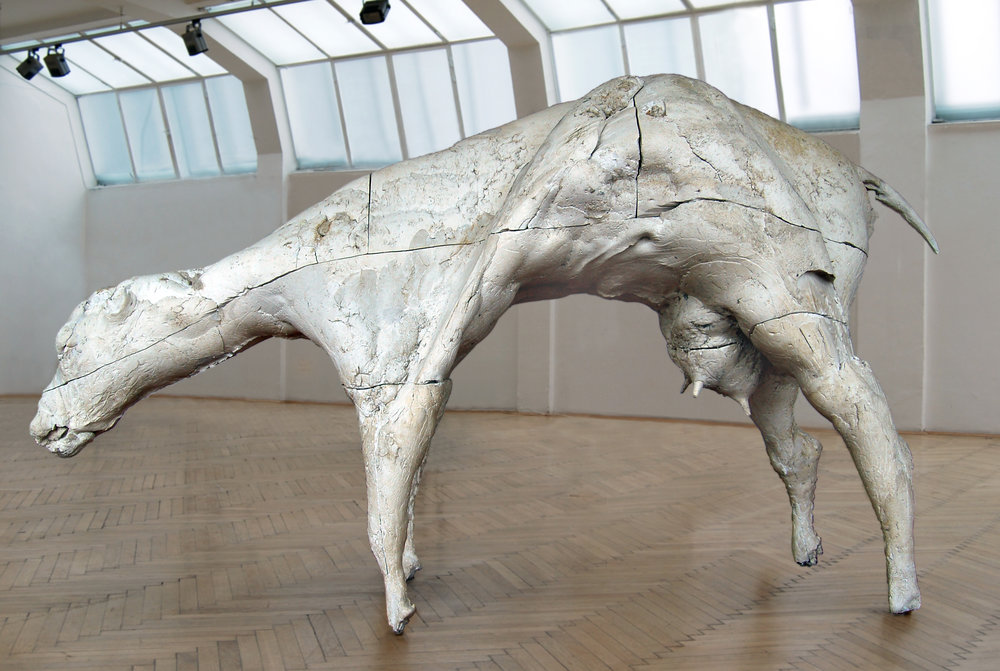 In search of the essence/Cow, 2006, Plaster,  200 x 150 x 80 cm