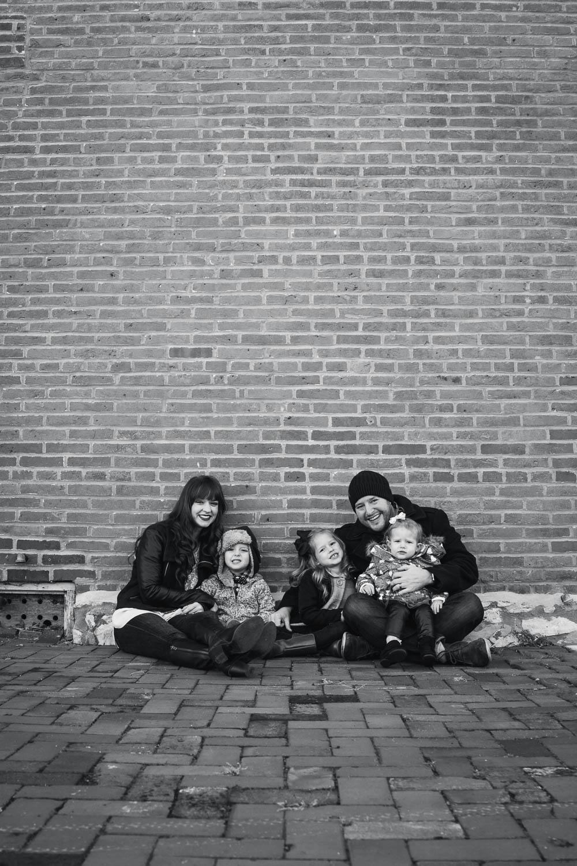 Moroni-Family-20171120-05770-WebUseOnly.jpg
