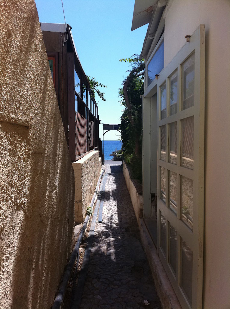 Santorini-4.jpg