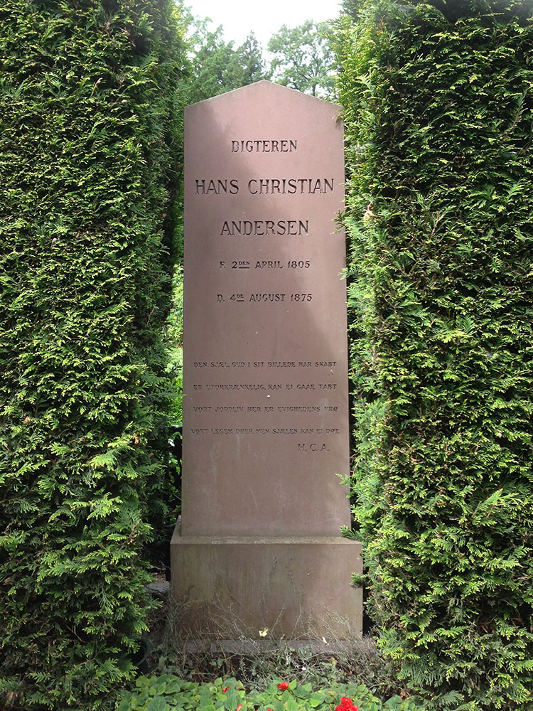 Hans-Christian-Andersen-Tombstone-Stenberg
