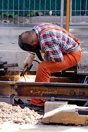 repair-worker-railway-5.jpg
