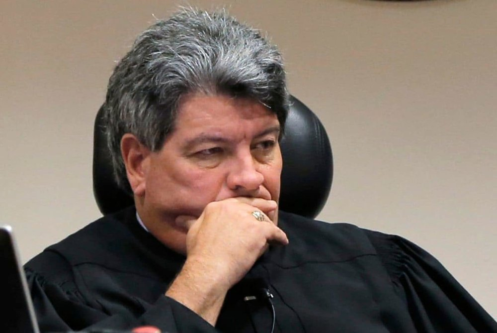 Judge George Gallagher listens during a criminal trial in Fort Worth in 2014. (Fort Worth Star-Telegram/AP)