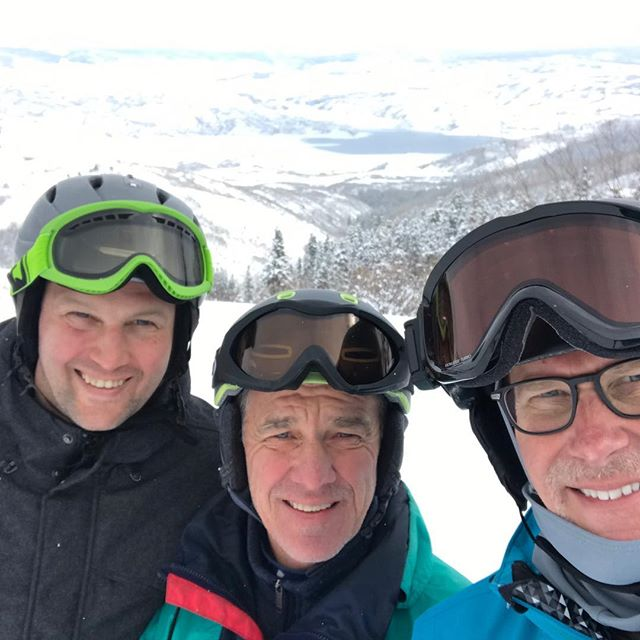 Amazing weekend skiing with some good buds at my friend Jim's this weekend. Felt so good being back out there!  On to Hong Kong later today.  #younglife #younglifenyc #thankgoodnessforpt #lovetoski