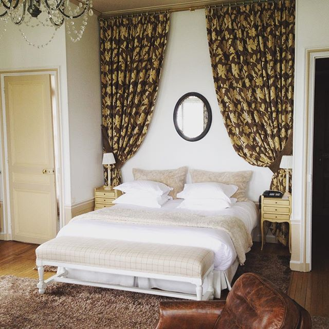 We finally have scouted the perfect location for our next lookbook photoshoot! Castle room booked for may 17th! #boudoirbelles_boutique #fashionphotoshoot