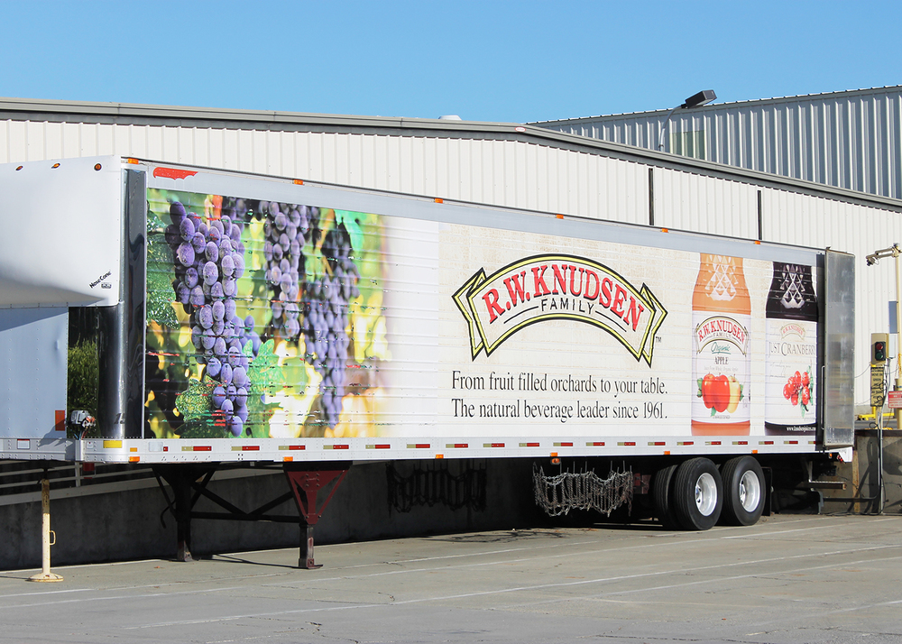 Smucker's produces fruit products under the R.W. Knudsen label