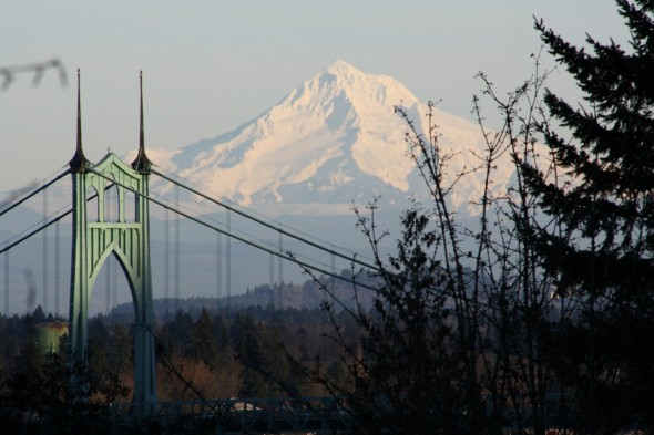 St. John's bridge & Mount hood (by Mark Stalcup)