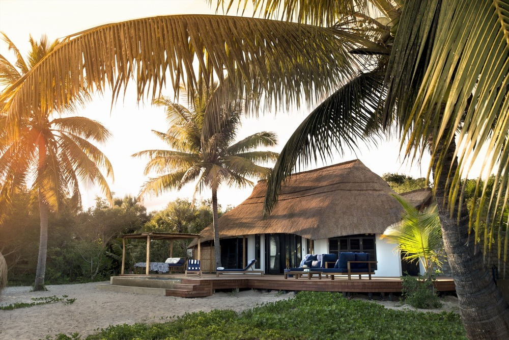 Casinha-Exterior-Benguerra-Island-Mozambique.jpg