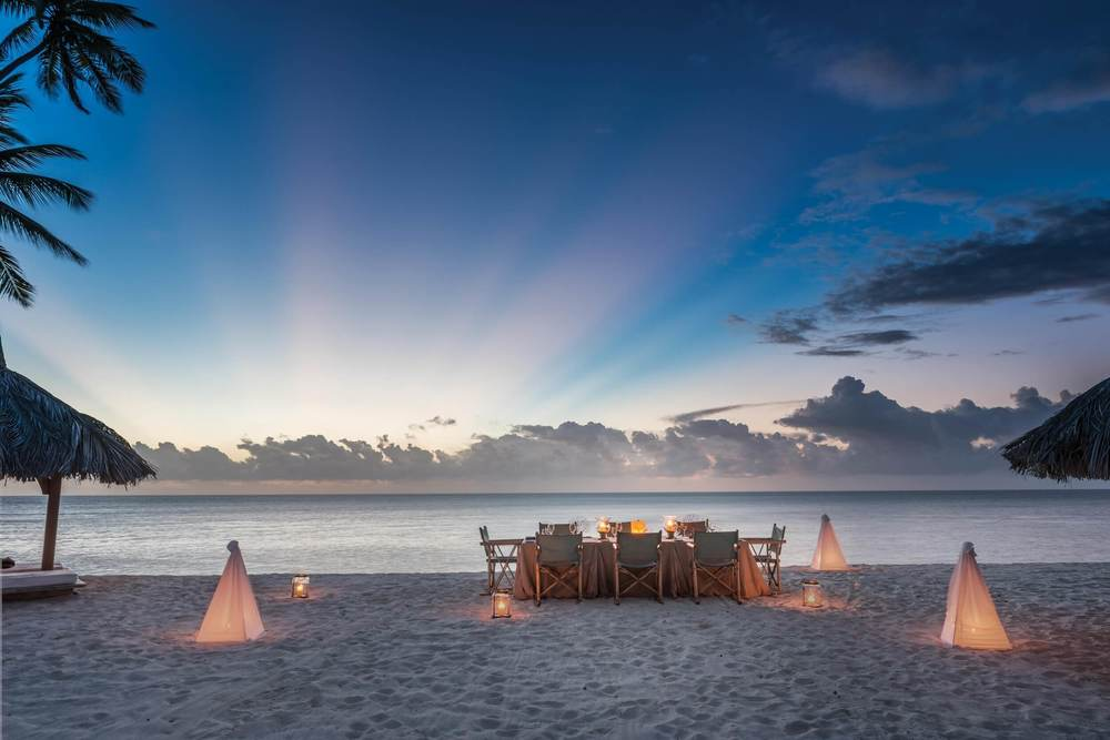 DIL Beach Dinner_01 (VL).jpg