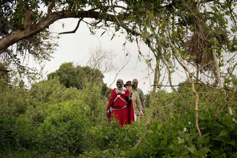 Highlands-Ngorongoro-guests-walking-Eliza-Deacon-1-HR.jpg