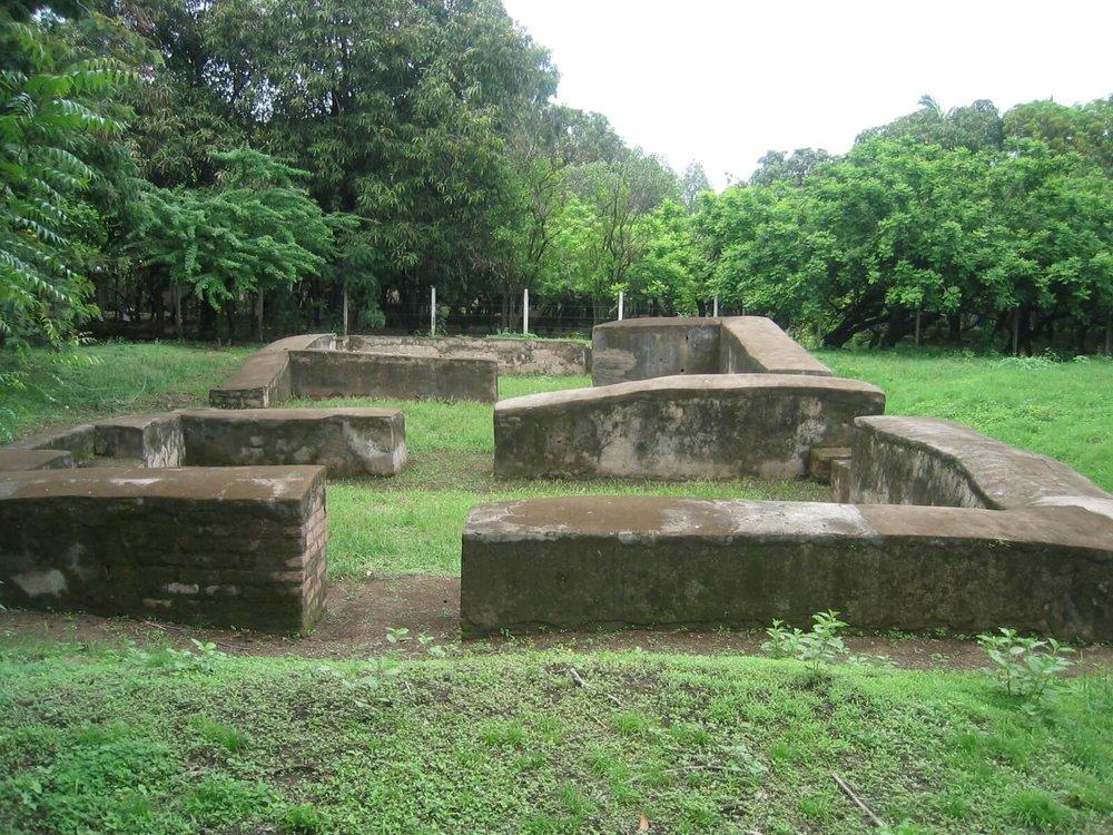 Old Leon Ruins 1.JPG