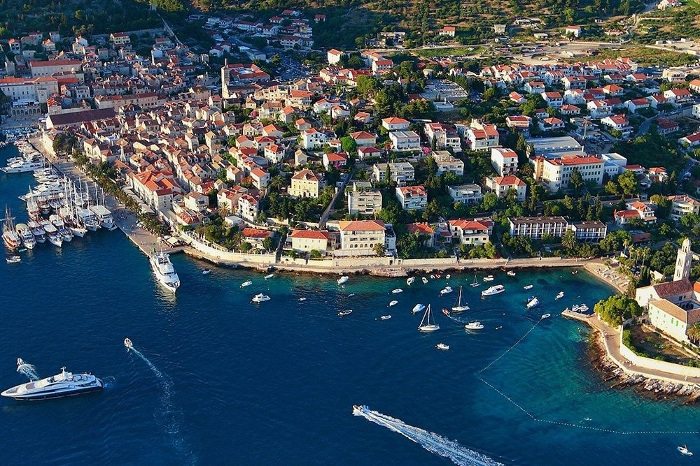 Outside+Go+-+Active+Travelers+Paradise+-+Hvar+Croatia.jpg