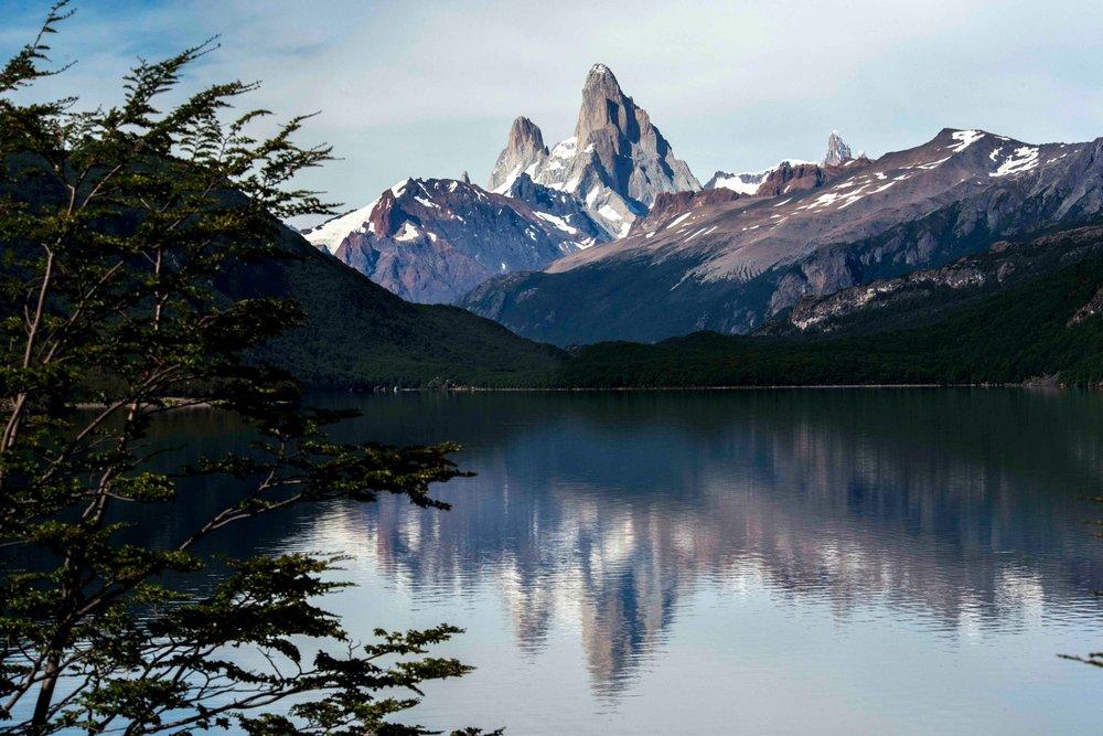 Lago Desierto & Fitz Roy.jpg