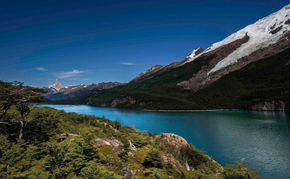 Lago Desierto & Fitz Roy 2.jpg