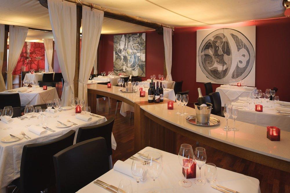 Henry's Restaurant.jpg