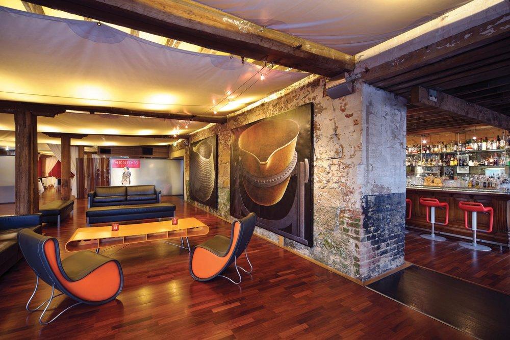 HJ Foyer 03.jpg