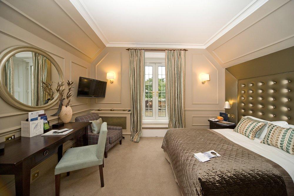Eriska Hotel room.jpg