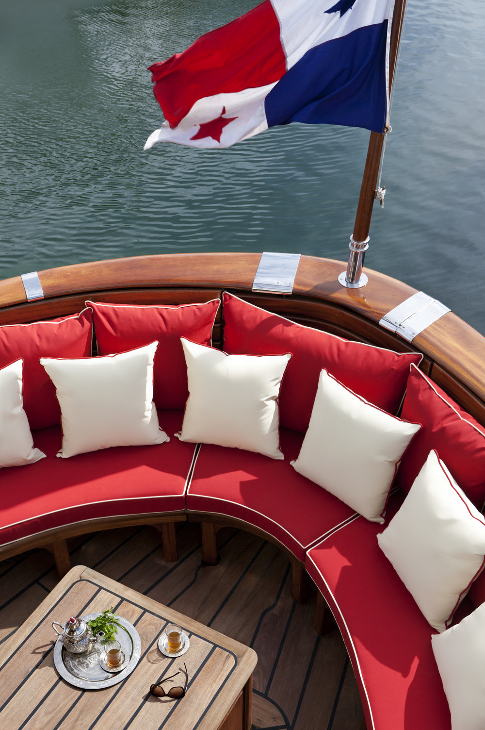 La Sultana Yacht - Flag and sitting area.jpg