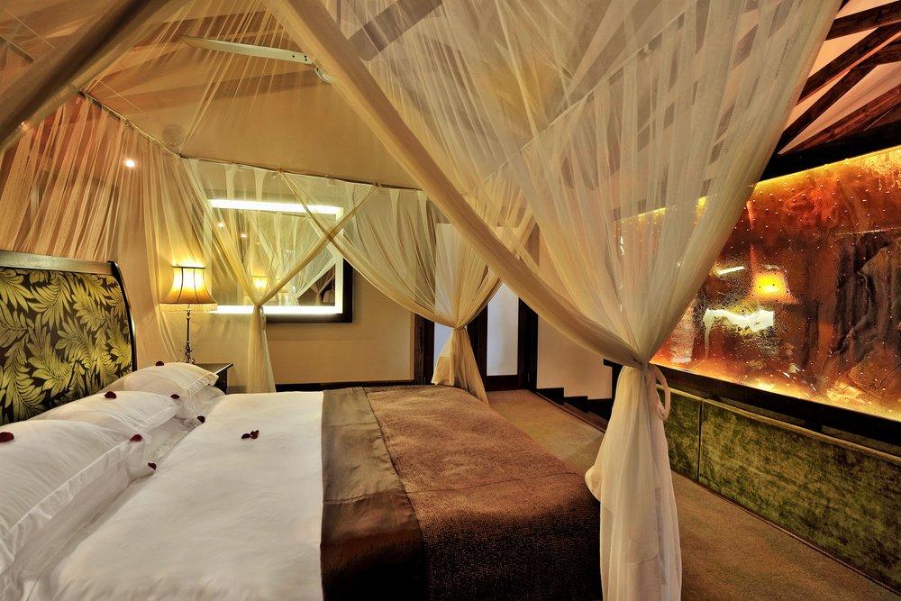 plantation suite bed.jpg