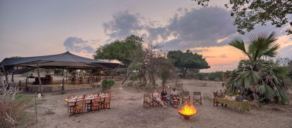 Sundowners-and-Dinner-under-the-stars-at-Roho.jpg
