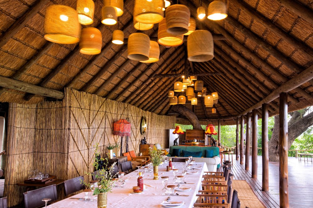 12Mapula Lodge - Dining table and lights.jpg