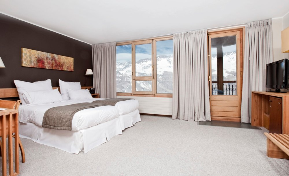 Hotel Valle Nevado Double.jpg