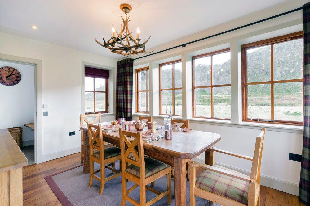 Ghillie's Rest_dining room_Pete Helme12.jpg