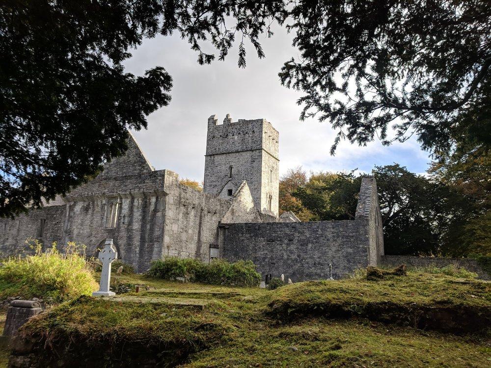 Muckross Abbey Ruins.jpg
