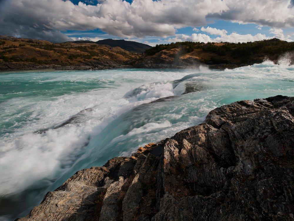 Rio Baker at confluence Rio Nef.jpg