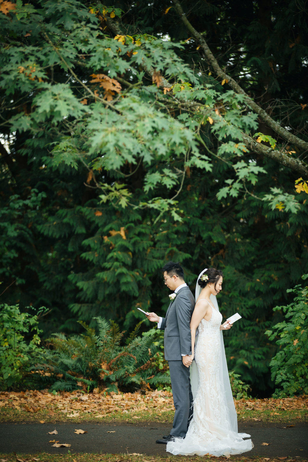 THE FIRST LOOK THAT WE SHARED MADE TWINKLES IN MY EYES. - Lulu & Ben