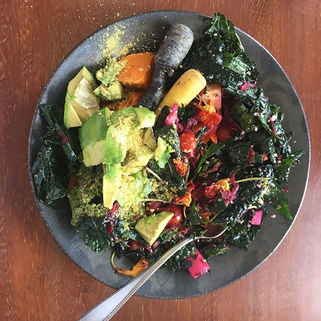 Make and EAT THIS WITH ME! #healthy #cooking #soeasy @barre2barre this Saturday, April 14th, 11:15-12:45. To sign up send me an insta message :) See you there 👋🏼 #sosimple #holisticnutrition #hongkongevents #hongkong #rainbow #plantbased #organic 🌈🥗