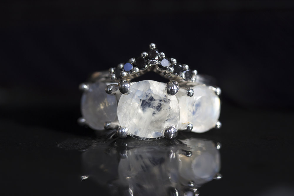 Samhain_Iemanja_Empress_Moonstone_Black_Diamond_2014-09-10 22.56.51.jpg