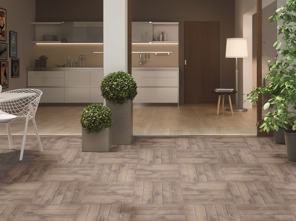 SUIZA ROBLE 45X45 ambiente2.jpg