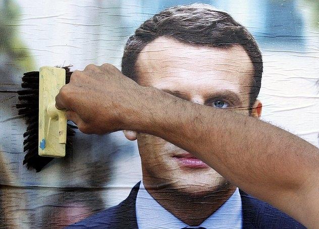 Emmanuel Macron en un afiche de la campaña